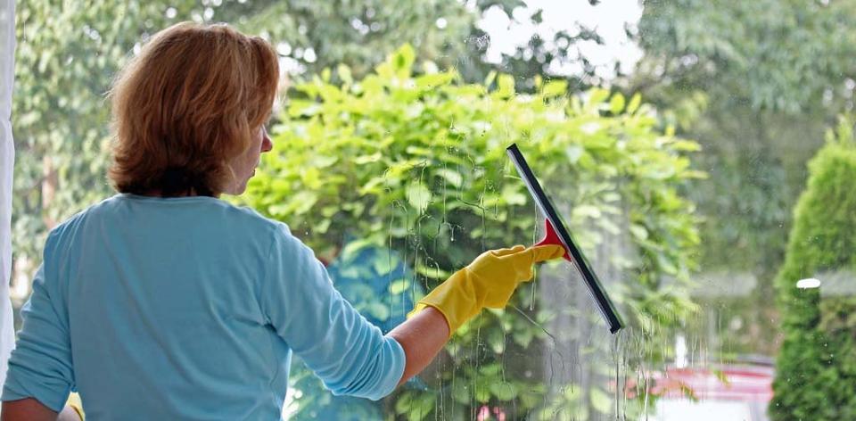 Tvätta fönster